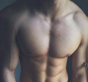 nâng ngực nam giới